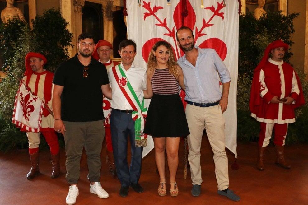 Firenze festa di compleanno con cittadinanza italiana per for Cittadinanza italiana tempi di attesa 2018