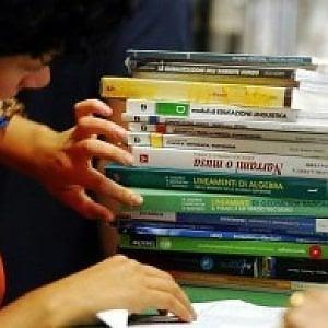 """Firenze, con """"Prenotalibro"""" i libri scolastici si comprano sul web e si ritirano al supermercato"""