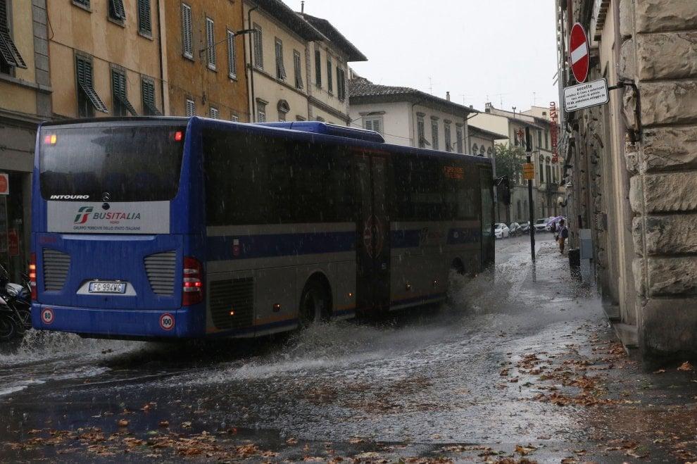 Maltempo, pioggia e grandine su Firenze