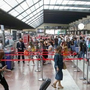 Firenze, controlli della polizia alla stazione di Santa Maria Novella