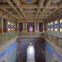 Reggello, entrano di nascosto nel Castello di Sammezzano per un selfie: