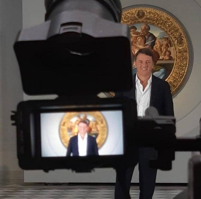 Firenze, da Santa Croce al Ponte Vecchio Renzi inizia le riprese del suo docufilm