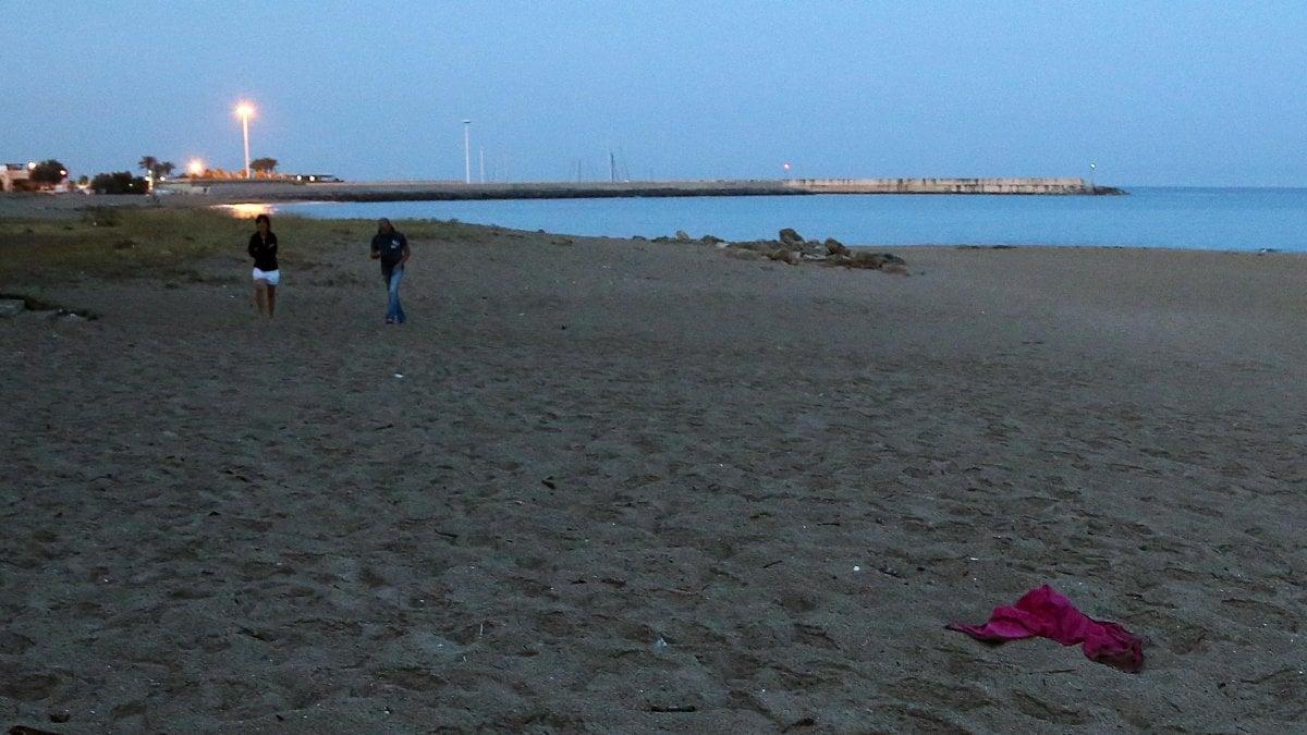 Viareggio cadavere in mare - Ansa bagno a ripoli ...