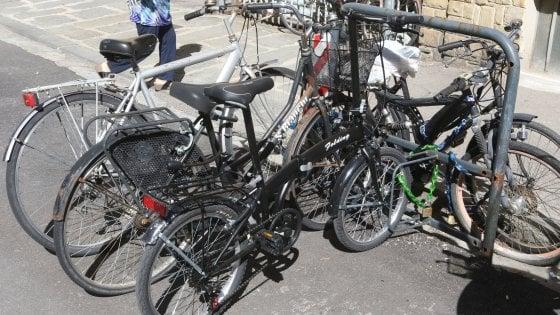 Caro ciclista, adotta una rastrelliera