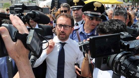 """Livorno, Aamps: quella mail di Bonafede che cita l'avvocato Lanzalone. Protesta il Pd: """"E' un bugiardo"""""""