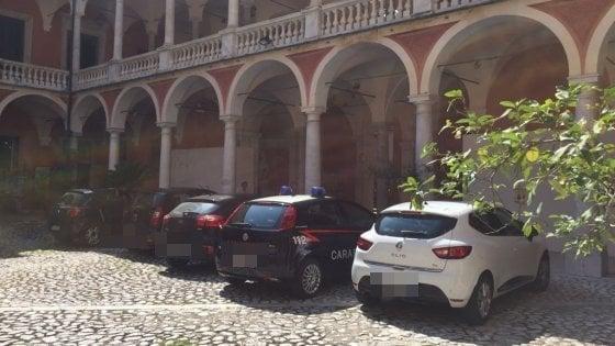 Impiegati assenteisti: 26 arresti a Massa Carrara