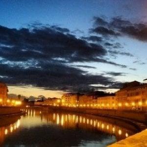 Pisa, giovane di 25 anni muore cadendo dalle spallette dell'Arno