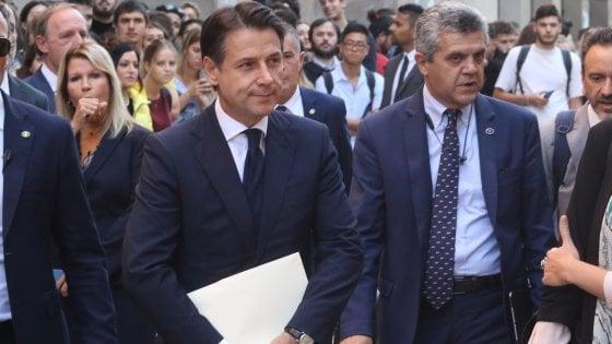 """Firenze, il premier Conte torna all'università da prof: """"Crescita sarà superiore a previsioni Fmi"""""""