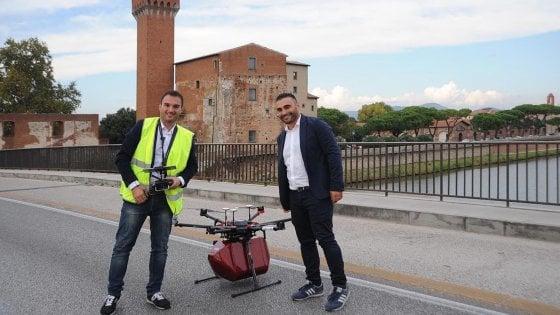 Pisa, Internet festival: primo volo del drone salvavita che trasporta il sangue
