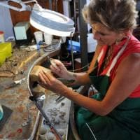 Che rumore fa la creatività degli artigiani? La performance di Marina Calamai