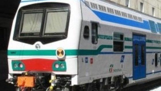 Investita dal treno, muore donna in Versilia