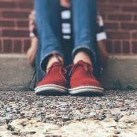 Livorno, ragazzo autistico picchiato nei bagni della scuola