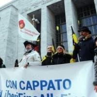 Massa Carrara, aperto e subito rinviato il processo a Cappato e Welby per