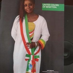Scandicci, assessora del Pd posa per Benetton con la fascia tricolore. Insorgono le opposizioni