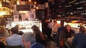 TOSCANA GOURMET   Vineria Decalè a Pietrasanta uno locale fuori dalle convenzioni   Archivio  -   I ristoranti   -   I vini   -   I libri