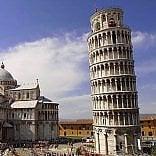 Pisa, la Torre pende  sempre meno