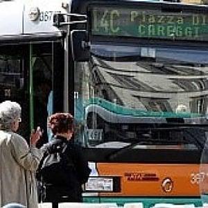 """Firenze, l'annuncio di Nardella: """"Vigili a bordo dei bus Ataf"""""""