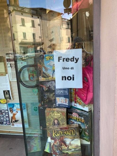 """""""Fredy uno di noi"""", a Monte San Savino decine di manifesti a sostegno del gommista"""