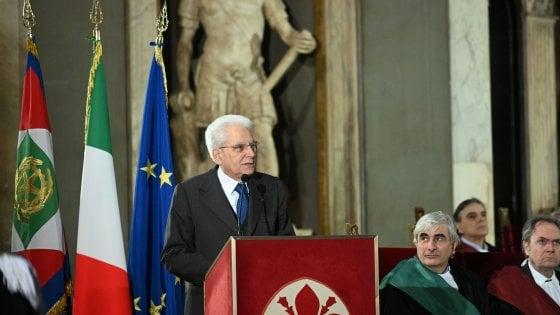 """Firenze, Mattarella: """"Distanza dalla politica portò a leggi razziali. Pericolo è apatia dei cittadini"""""""