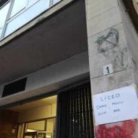 """Firenze, strage di piazza Dalmazia: gli studenti """"intitolano"""" le scuole a Samb e Mor"""