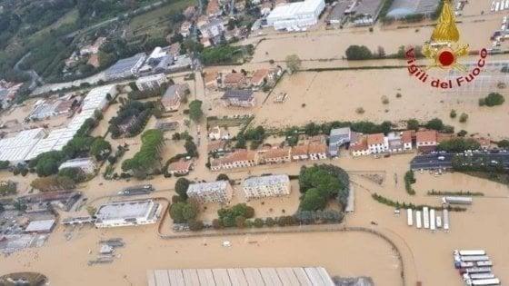 """Alluvione di Livorno, chiuse le indagini. Nogarin: """"Risponderò ai magistrati"""""""