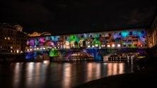 Ponte Vecchio si trasforma in un tela  di luci e colori  foto