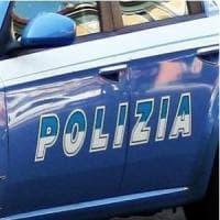 Firenze, clochard aggredito sotto i portici di piazza della Repubblica