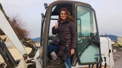 """Cascina, Ceccardi sulla ruspa: """"Missione compiuta, demolito il campo rom"""""""