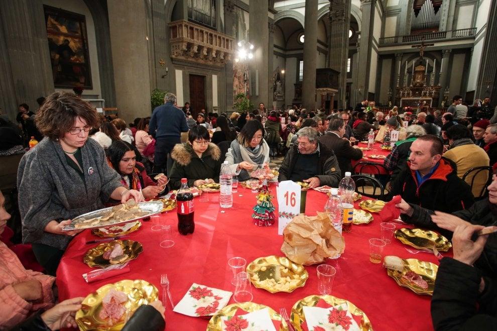 Firenze, pranzi di Natale fra solidarietà e accoglienza alla comunità di Sant'Egidio