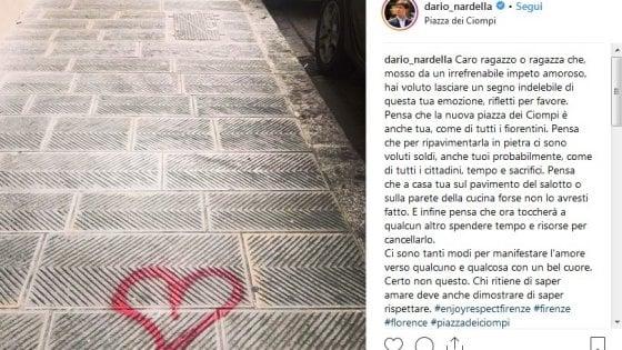 """Disegna cuore su un marciapiede, il sindaco di Firenze """"bacchetta"""" l'autore sui social: """"Rifletti per favore"""""""