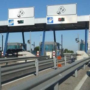 Firenze, non paga cinquemila euro di pedaggi autostradali: denunciato