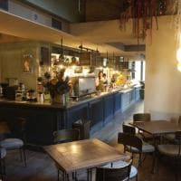 Firenze, arredi d'ispirazione francese e un laboratorio a vista: in piazza della Libertà apre il Caffè Lietta