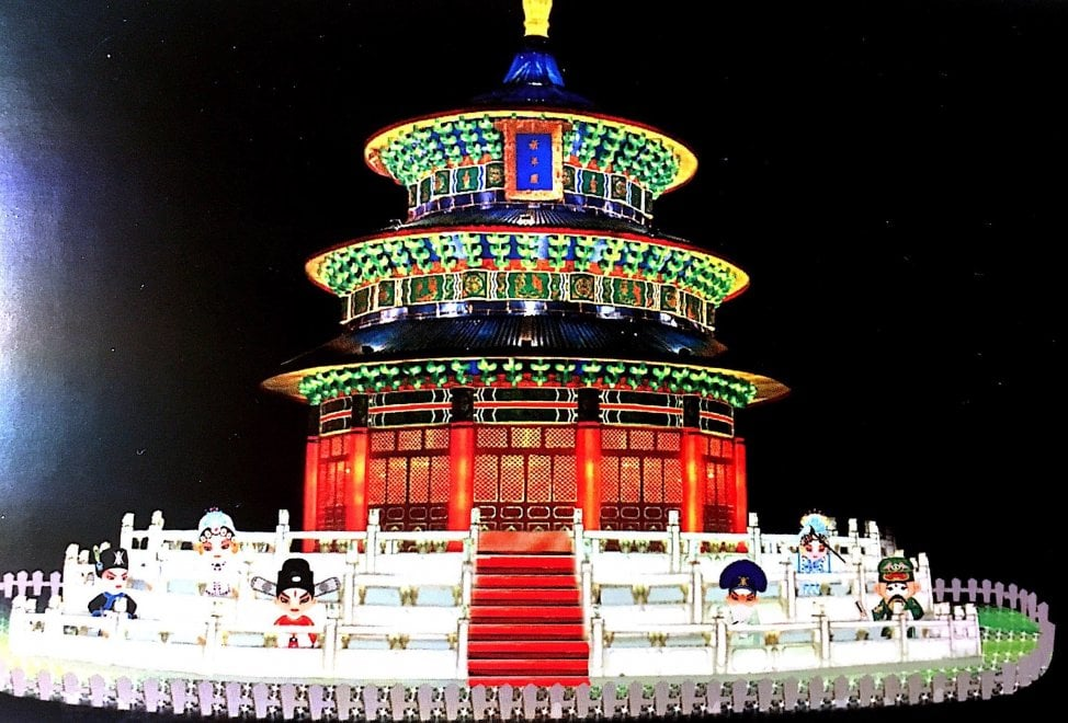 Prato maxi lanterne e dragoni per illuminare il capodanno cinese