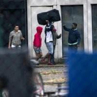 Migranti, in Toscana 45 ospiti del Cara di Castelnuovo