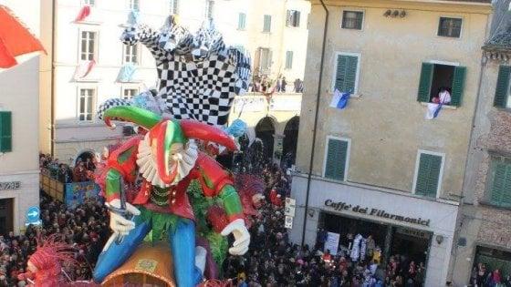 Tra sfilate e carri allegorici, torna il Carnevale di Foiano della Chiana