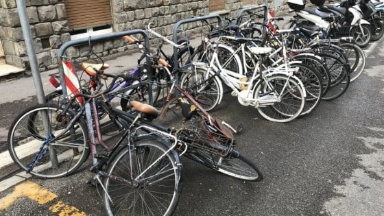"""Firenze, parte il piano """"rastrelliere pulite"""": si comincia dal Quartiere 2"""