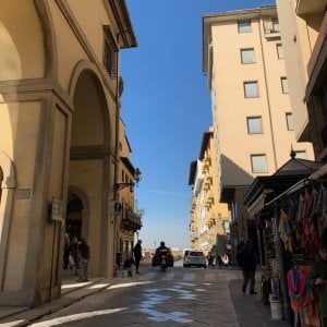 Firenze, restaurato il pilastro del Corridoio Vasariano danneggiato a dicembre da un camion