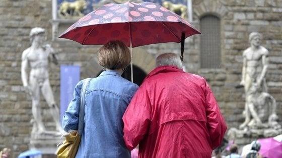 Maltempo, allerta per pioggia e vento in Toscana