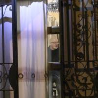Arresti domiciliari per i genitori di Renzi, il padre dell'ex premier nella sua casa di Rignano