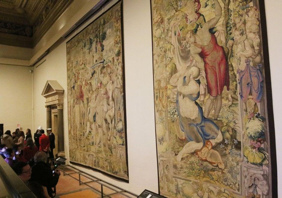Firenze, a Palazzo Vecchio tornano gli arazzi medicei