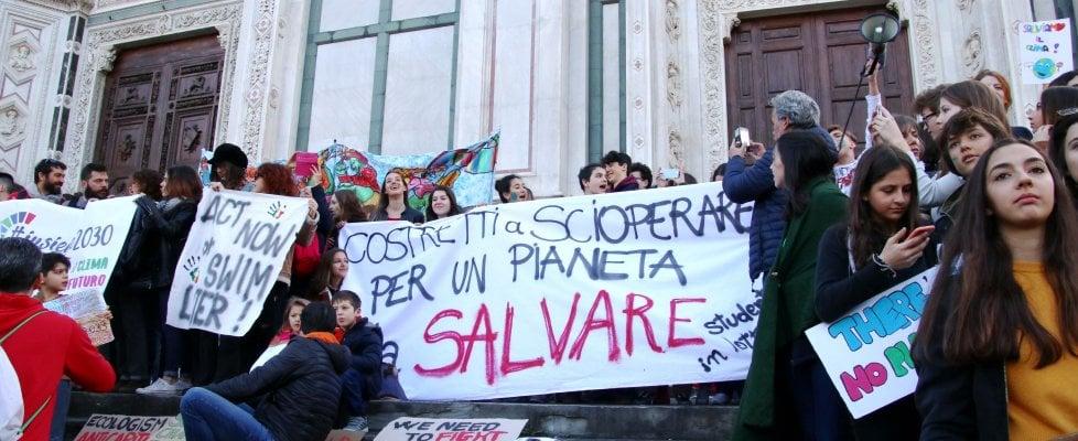 Toscana, in diecimila a Firenze: migliaia nelle piazze anche a Pisa, Livorno e altre città per difendere il pianeta