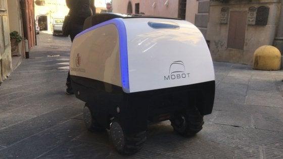 Dal supermercato a casa, ecco MoBot: il carrello robotico che aiuta a portare la spesa