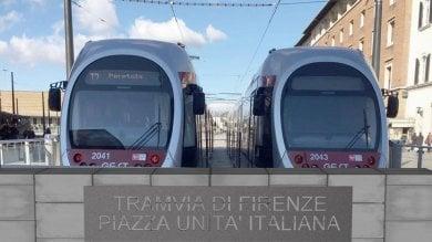 Tramvia, cambia la scritta al capolinea in stazione: 'Lettere più volte vandalizzate'  ft