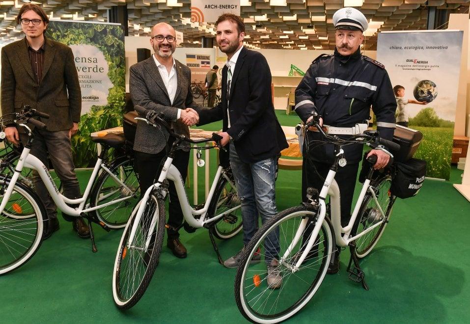 Firenze, quattro nuove bici elettriche per la municipale