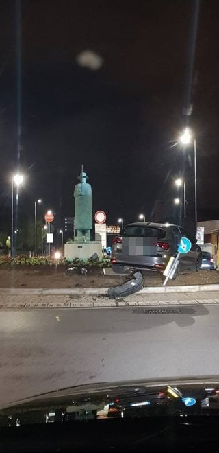 Firenze, nuovo incidente sulla rotonda dell'Uomo della pioggia