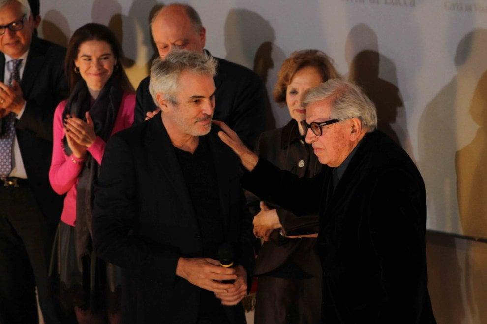 Lucca Film Festival, premio a Paolo Taviani. E sul palco arriva a sorpresa Alfonso Cuaron