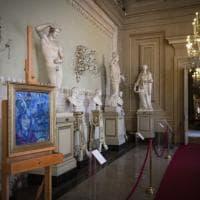 Notre-Dame, l'omaggio di Palazzo Pitti: esposto autoritratto di Chagall con la cattedrale
