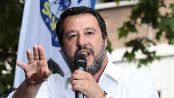 """Pisa, Salvini contro il corteo antiproibizionista: """"Mi fido di prefetto e questore"""""""