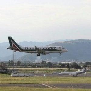 Maltempo in Toscana, voli cancellati e dirottati a Peretola a causa del vento forte