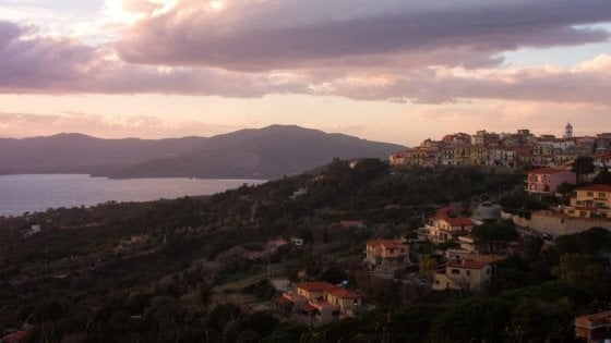 Isola d'Elba, piove due ore consecutive? Non paghi l'albergo